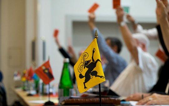 SEK: Die Abgeordnetenversammlung bestätigt wichtige Weichenstellungen der ersten Lesung der Verfassungsrevision