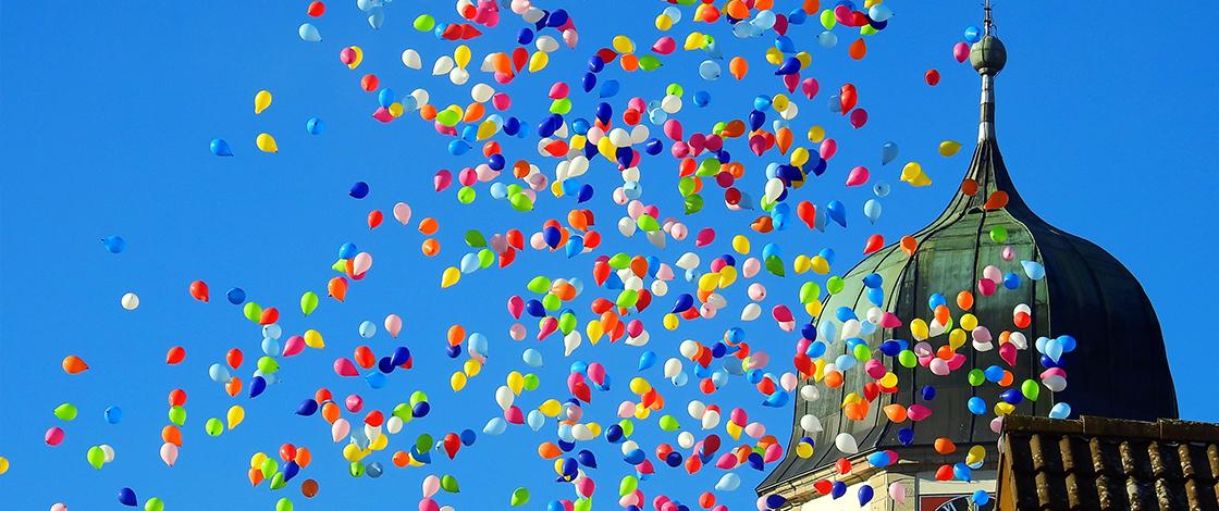 Glaube Mittendrin, Kirche, Luftballone