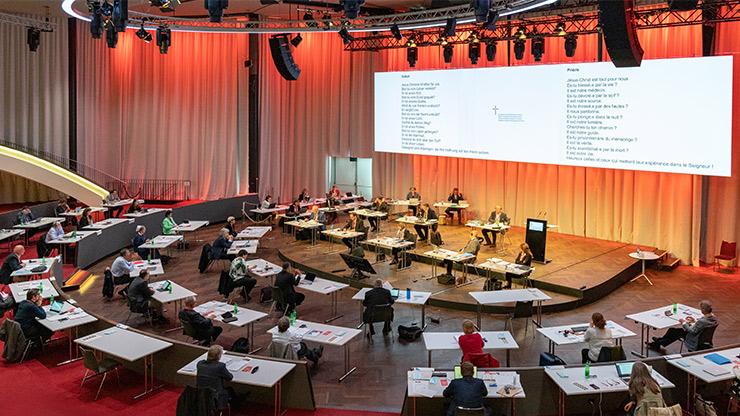 Erste Synode im Kursaal Bern